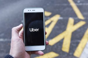 Quanto Uber Cobra do motorista