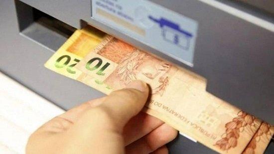 Como Sacar Dinheiro para Outra Pessoa